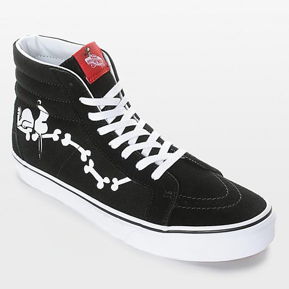 9add77f428 Vans by Peanuts Snoopy Bones   Woodstock Shoes Uni